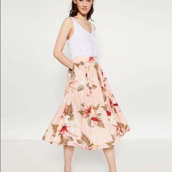 1f85e0e4e5 Zara Skirts | Brand New High Waisted Floral Midi Skirt | Poshmark